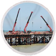 Hastings Pier, England Round Beach Towel