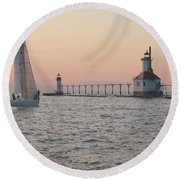 Heading In Round Beach Towel