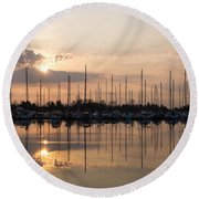 Heavenly Sunrays - Peaches-and-cream Sunrise With Boats Round Beach Towel