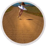 Heel Clicks On The Washboard Round Beach Towel