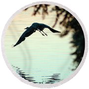 Heron At Dusk Round Beach Towel