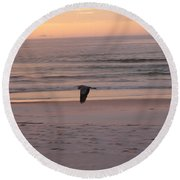 Heron On The Downwing Round Beach Towel