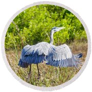 Heron On The Rise Round Beach Towel