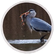 Heron With Perch Round Beach Towel