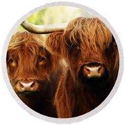 Highland Cows Round Beach Towel