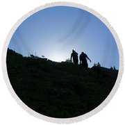 Hikiers On Mount Massive Round Beach Towel