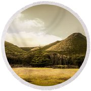 Hills And Fields Of Trial Harbour Round Beach Towel