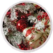 Holiday Cheer I Round Beach Towel