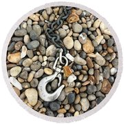 Hook, Chain And Pebbles Round Beach Towel