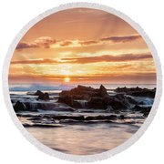 Horizon In Paradise Round Beach Towel