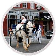 Horse Carriage In Nashville Round Beach Towel