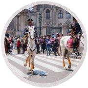 Horse Guard At Parade Round Beach Towel
