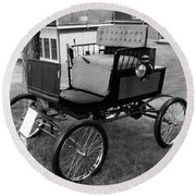 Horseless Carriage-bw Round Beach Towel