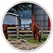 Horses Grazing Round Beach Towel