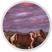 Horses With Southwest Sunset Round Beach Towel