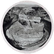 Horseshoe Bend In Black And White Round Beach Towel