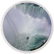 Horseshoe Falls And Maid Of The Mist Round Beach Towel
