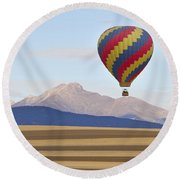 Hot Air Balloon And Longs Peak Round Beach Towel