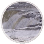 Ice Over The Falls Round Beach Towel
