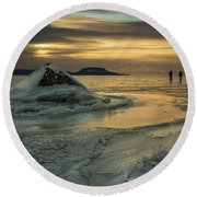 Ice Trail Hikers Round Beach Towel