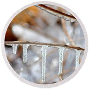 Icicles And Bokeh Round Beach Towel