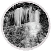 Icicles At Frozen Head Round Beach Towel