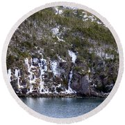 Icy Cliff In Winter Round Beach Towel