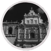 Iglesia San Francisco - Antigua Guatemala II Round Beach Towel