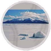 Igloo On Atlin Lake - Bc Round Beach Towel