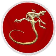 Iguana Skeleton In Gold On Red  Round Beach Towel
