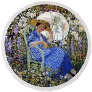 In The Garden Round Beach Towel by Frederick Carl Frieseke