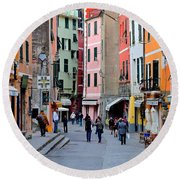 In The Heart Of Town Round Beach Towel