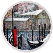 In The Snow In Venice Round Beach Towel