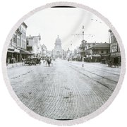 In This Historical 1913 Photo, Horse Drawn Carriages In Downtown Austin, Texas Run Up And Down Congress Avenue Cobblestone Streets Leading Up The The Texas State Capitol Round Beach Towel
