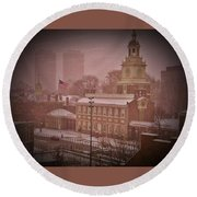 Independence Hall In The Snow Round Beach Towel
