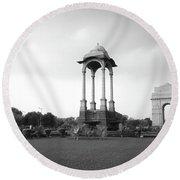 India Gate - Monochrome Round Beach Towel