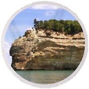 Indian Head Rock Round Beach Towel