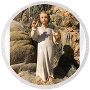 Infant Jesus Of Prague Round Beach Towel
