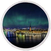 Infinite Aurora Over Stockholm Round Beach Towel