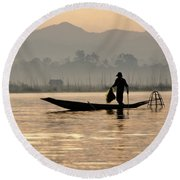 Inle Lake Fisherman Round Beach Towel