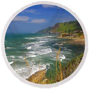 Inlet At Devils Punchbowl State Park Oregon  Round Beach Towel