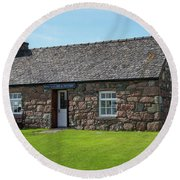 Iona Gallery And Pottery Round Beach Towel