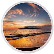 Island Gold - An Amazingly Golden Sunset On The Beach In Hawaii Round Beach Towel