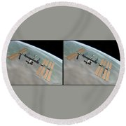 Iss - Gently Cross Your Eyes And Focus On The Middle Image Round Beach Towel