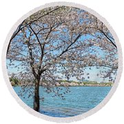 It Must Be Spring In Washington Round Beach Towel