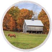 Jericho Hill Vermont Horse Barn Fall Foliage Round Beach Towel