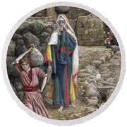 Jesus And His Mother At The Fountain Round Beach Towel