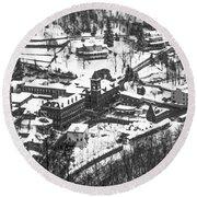 Jim Thorpe Pennsylvania In Winter In Black And White Round Beach Towel