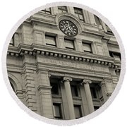 John Adams Courthouse Boston Ma Black And White Round Beach Towel