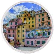 Joy In Colorful House In Piazza Di Riomaggiore, Cinque Terre, Italy Round Beach Towel